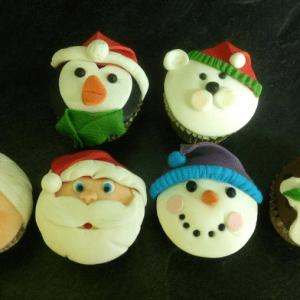 Christmas Cupcake Cakes Class