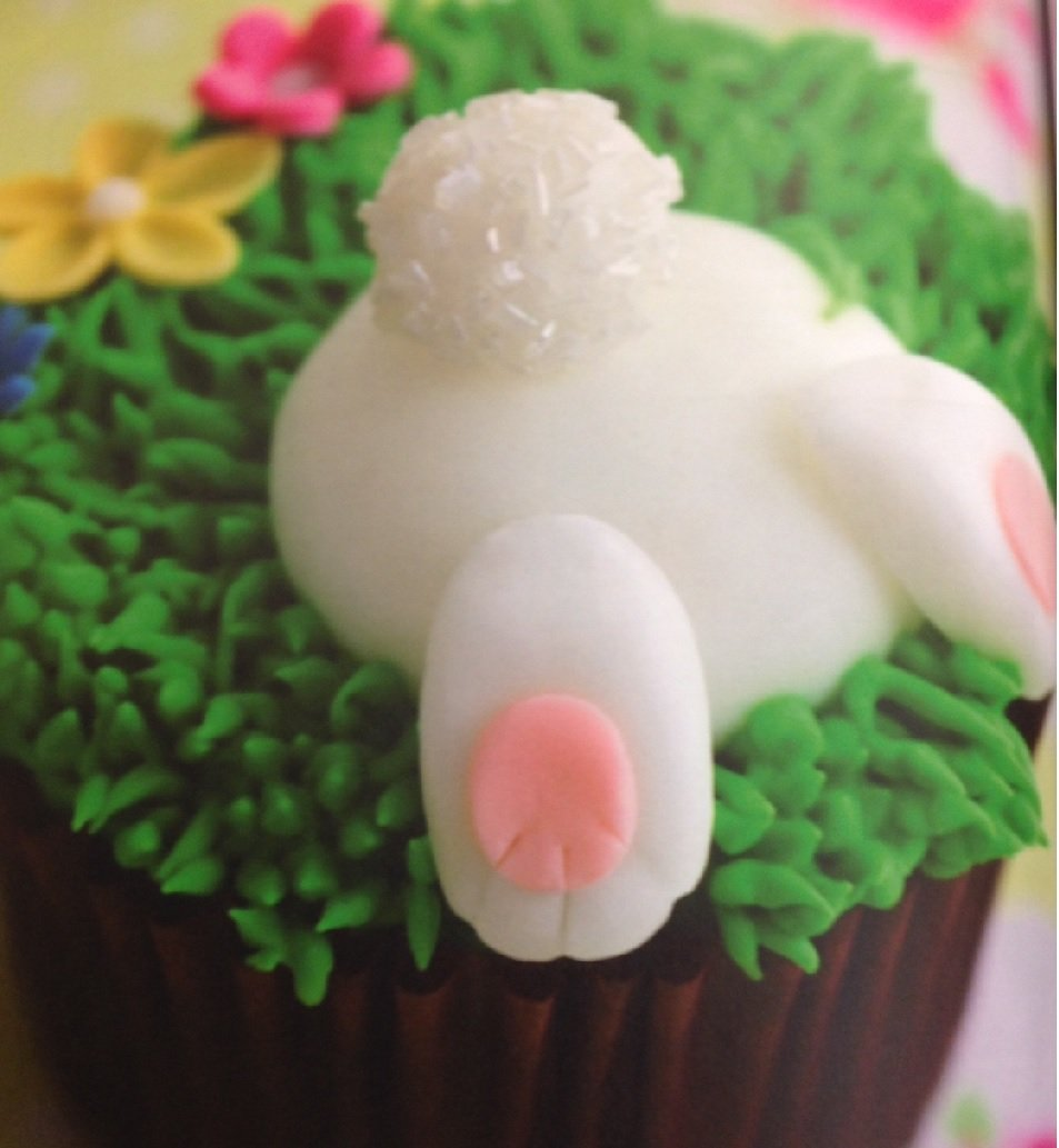 Easter Bunnies and flowers Cupcakes Class